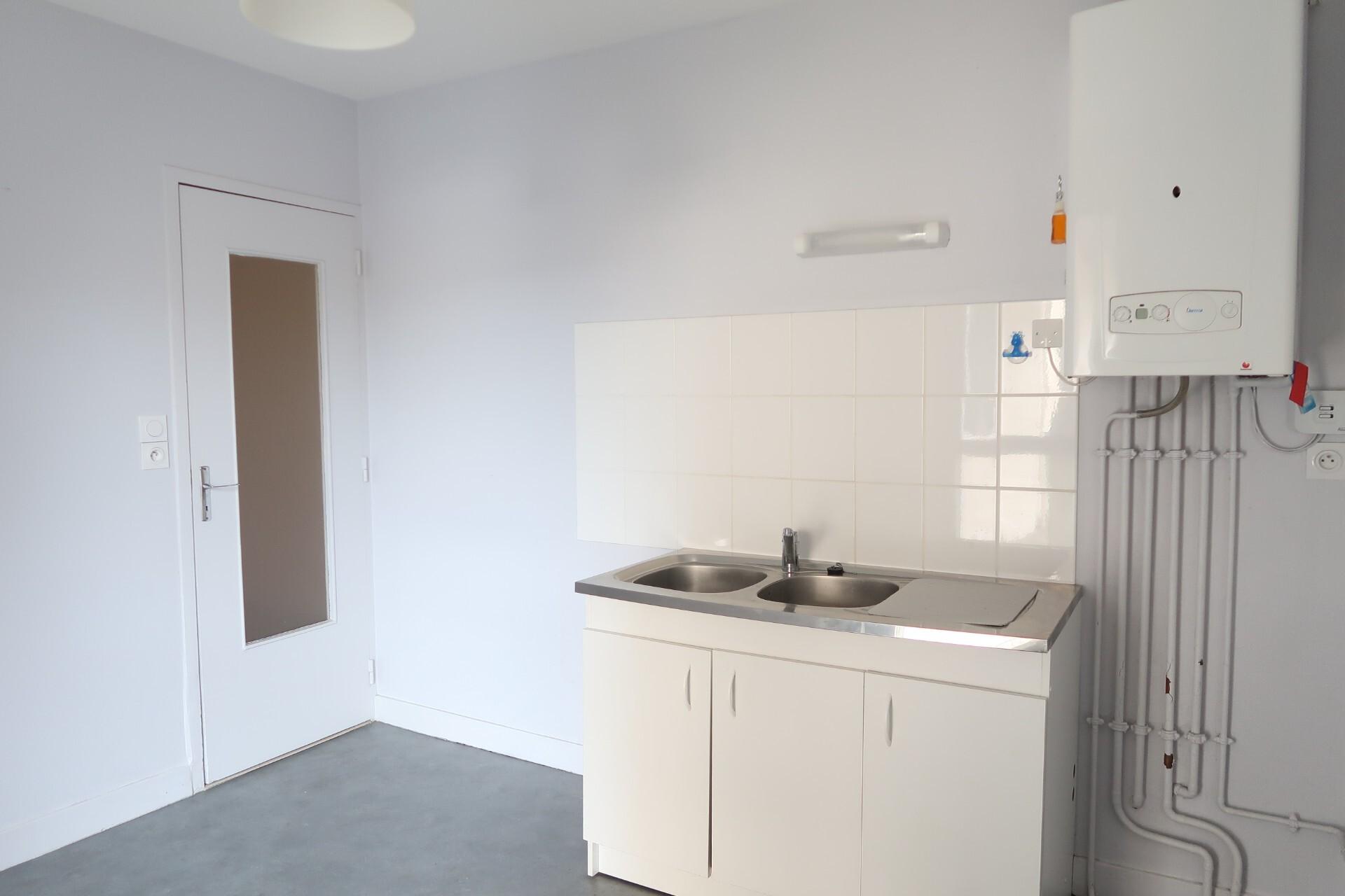 Photo n° 2 de l'annonce Appartement T4 à louer - Clermont-Ferrand : Ref 0001430019